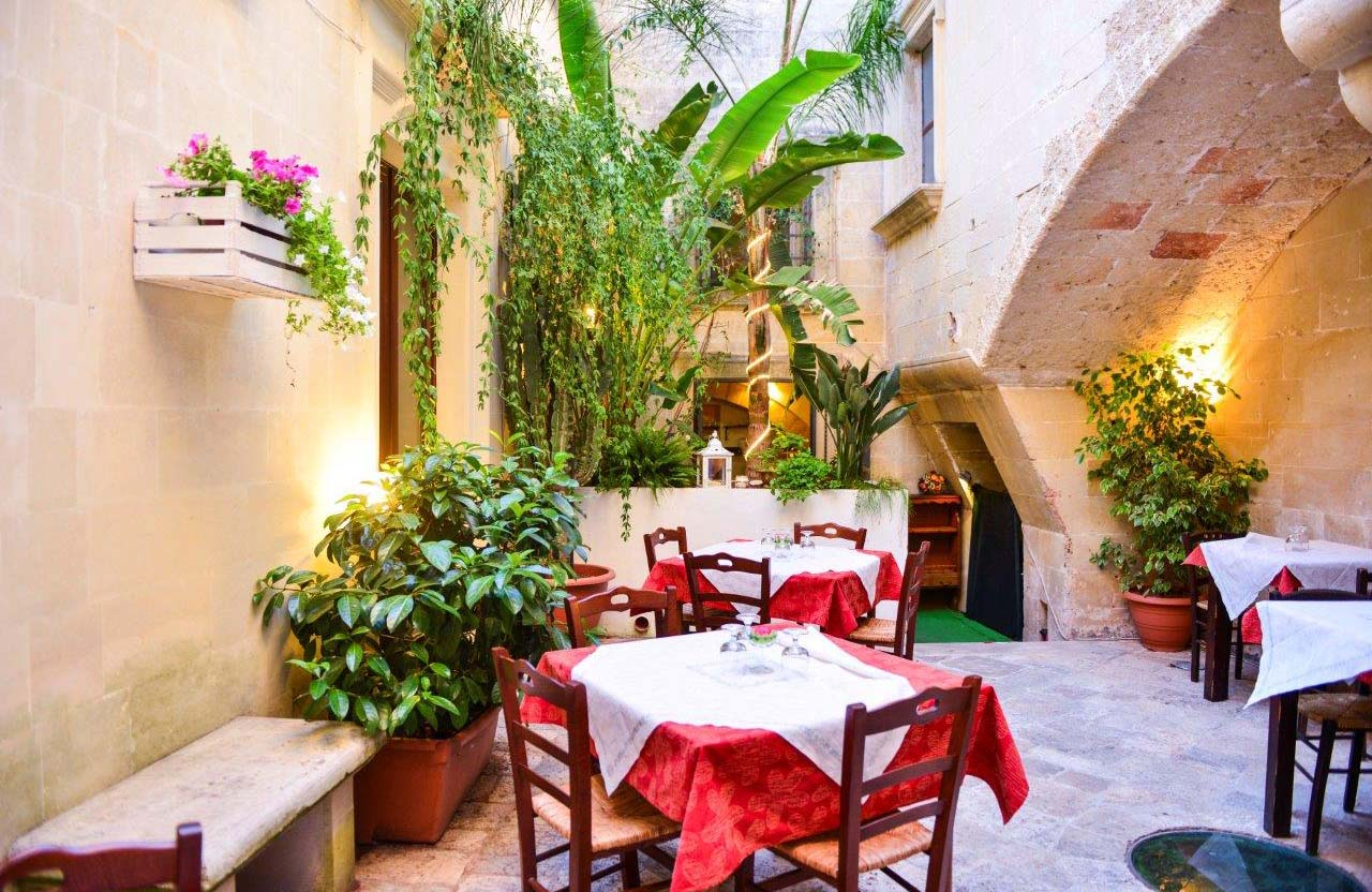 Corte Micali Pizza Restaurant's Outdoor Garden in Martano