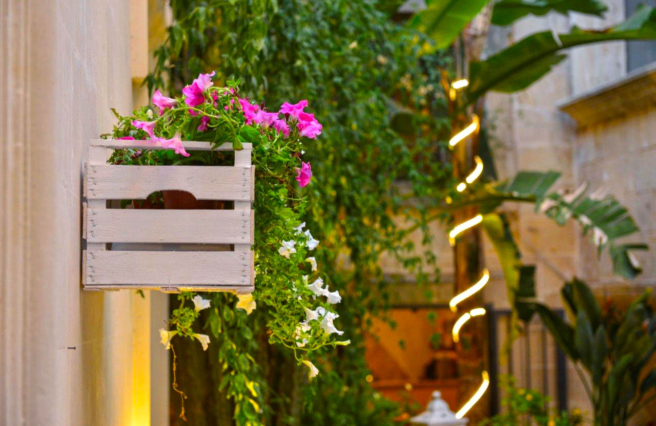 Corte Micali Pizza Restaurant's Outdoor Garden Detail